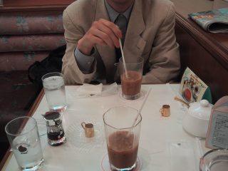 アイスコーヒーなんぞを。
