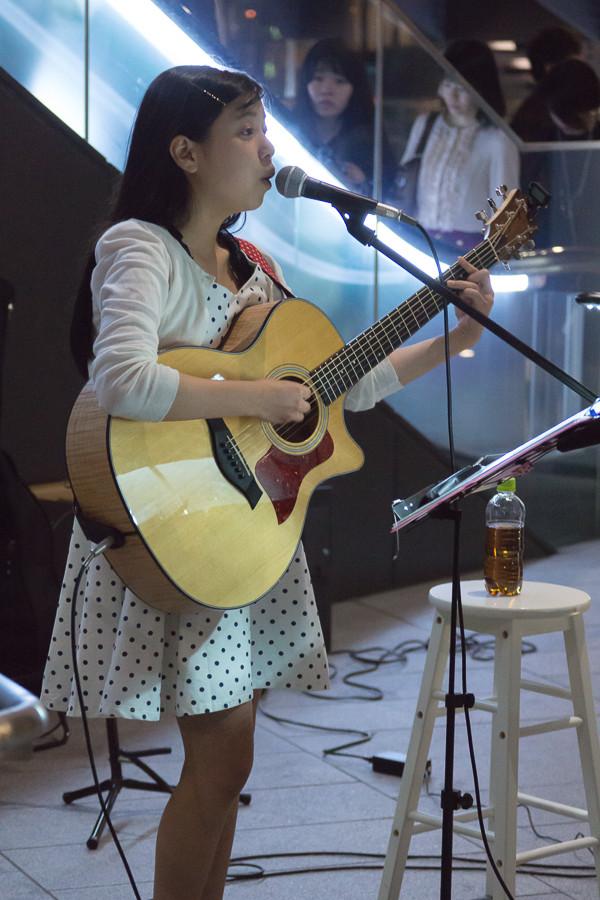 戸田桃香 MUSIC BUSKER IN UMEKITA ストリートライブ